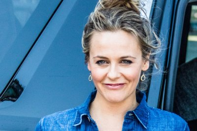 Alicia Silverstone, Christopher Jarecki split up after 20 years