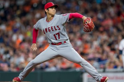 Angels' Ohtani will throw off mound for first time since Tommy John surgery