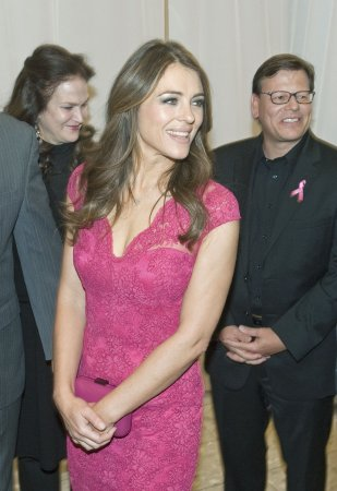 Elizabeth Hurley denies 'ludicrous' affair with Bill Clinton