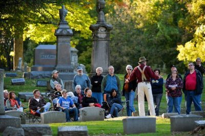 Actors portray the dead to promote cemetery