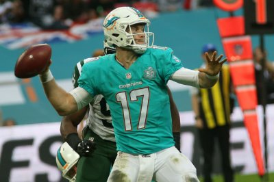 Dolphins take advantage of opportunities in win at Philadelphia