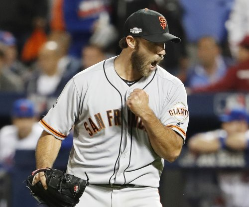 Madison Bumgarner, Conor Gillaspie lift San Francisco Giants past New York Mets