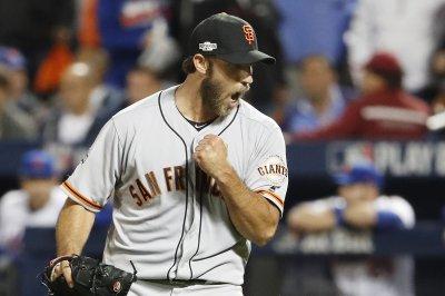 Madison Bumgarner, Conor Gillaspie lift San Francisco Giants past New York Mets