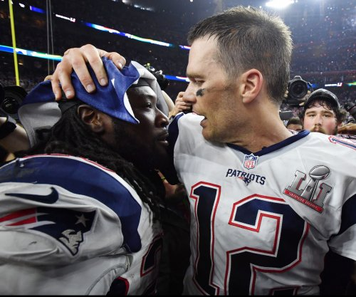 LeGarrette Blount mulling New England Patriots' contract offer