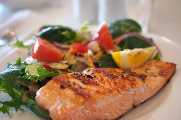 Study: Mediterranean diet may help ward off dementia