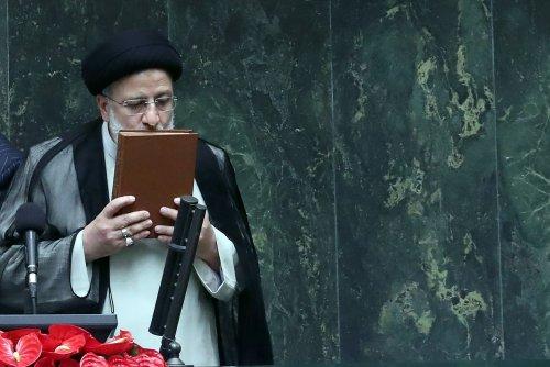 Ebrahim Raisi sworn in as Iran's new president