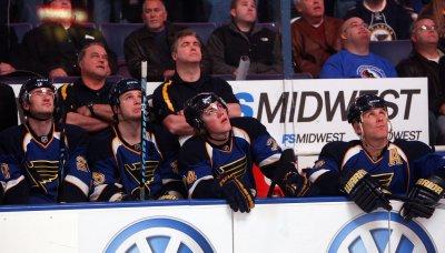 NHL: St. Louis 4, Calgary 3