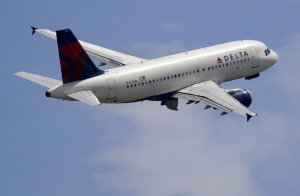 Federal jury convicts man of sexually assaulting woman on plane
