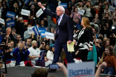 Bernie Sanders wins N.H.; Pete Buttigieg, Amy Klobuchar in top 3