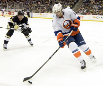 Islanders' Johnny Boychuk receives 90 stitches after taking skate to face