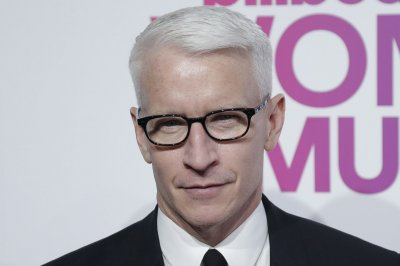 Anderson Cooper gives parenting advice from his mother on 'WWHL'