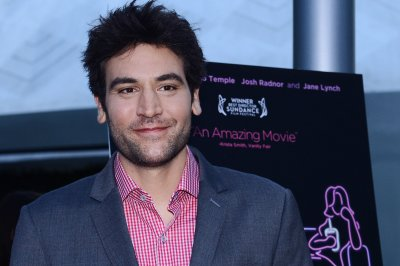 Josh Radnor and Laura Benanti to star in Broadway's 'She Loves Me'