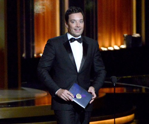 Jimmy Fallon pays tribute to David Letterman