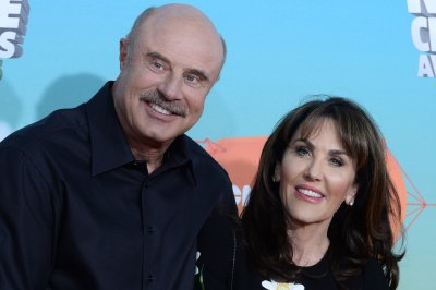 Dr. Phil's sister-in-law Cindi Broaddus dead at 68