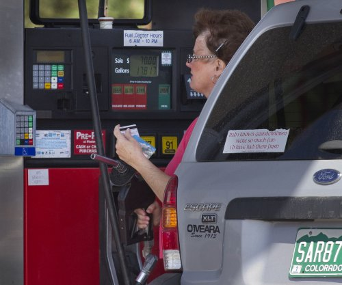 U.S. fuel prices near last month's levels, unlikely to change