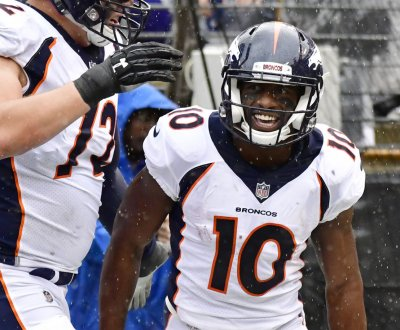 San Francisco 49ers acquire WR Emmanuel Sanders from Denver Broncos