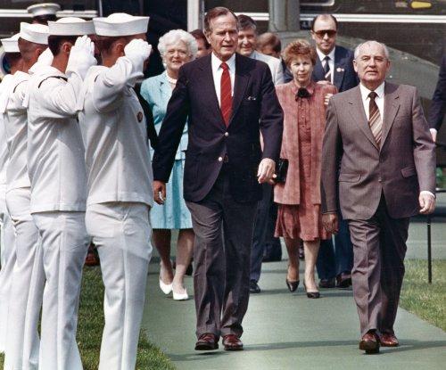 Gorbachev congratulates Bush