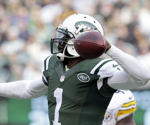 Pittsburgh Steelers sign Michael Vick to fill backup QB need