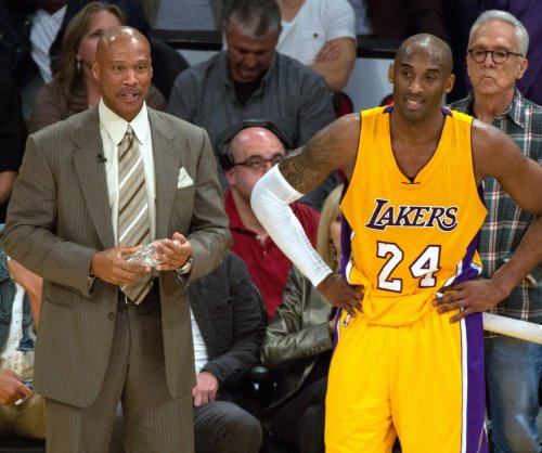 Los Angeles Lakers' Kobe Bryant cleared for activities