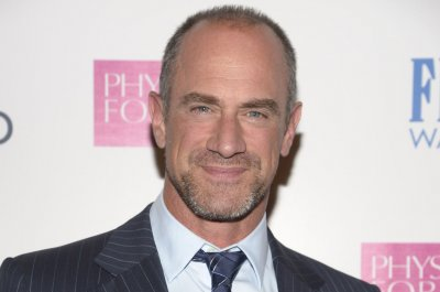 Christopher Meloni denies return to 'Law & Order: SVU'