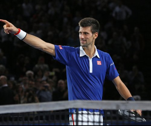 Novak Djokovic pulls away to advance in Miami Open
