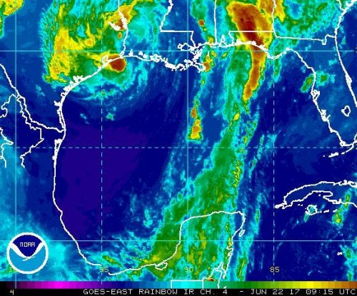Tropical Storm Cindy makes landfall in Louisiana, Texas