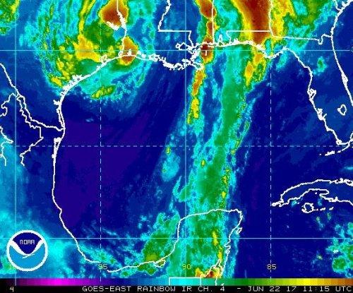 Tropical Storm Cindy makes landfall in Louisiana, Texas