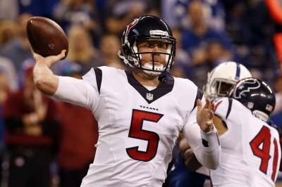 Tennessee Titans add Brandon Weeden after Marcus Mariota injury