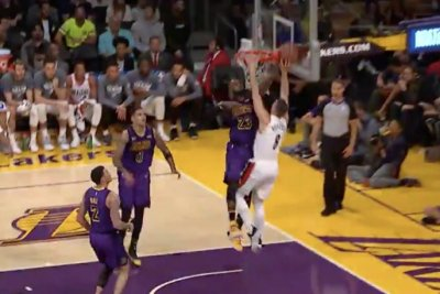 LeBron James passes Wilt Chamberlain, gets two big blocks