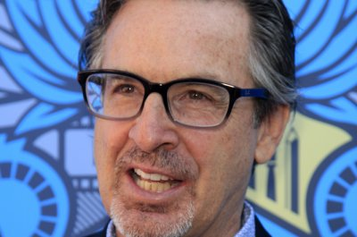 Robert Carradine, Hallie Todd, Jake Thomas return for 'Lizzie McGuire' sequel