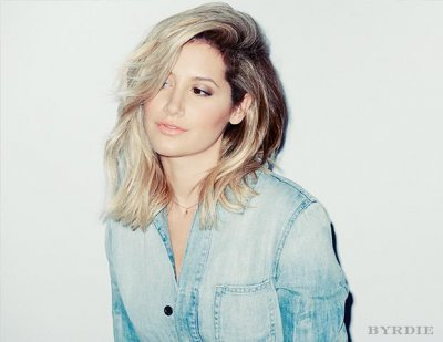 Ashley Tisdale shows off new 'lob' hairstyle during LA outing