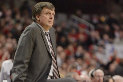 Houston Rockets award Kevin McHale three-year extension