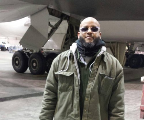Tairod Pugh, U.S. Air Force veteran, charged with aiding Islamic State