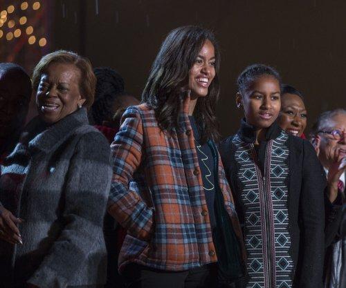 Secret Service teaches Malia Obama how to drive
