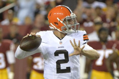 Johnny Manziel has talked to several teams about comeback