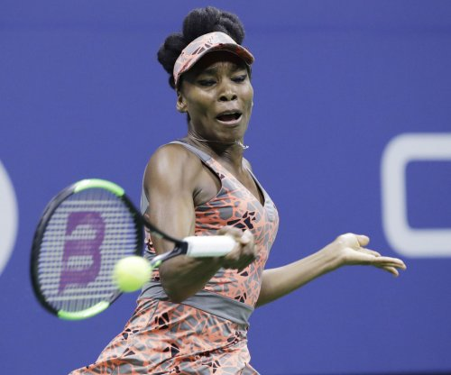 U.S. Open tennis: Venus Williams survives, advances