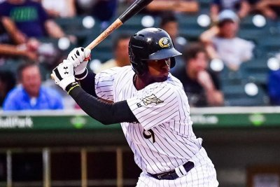 Luis Robert agrees to record $50M deal with Chicago White Sox