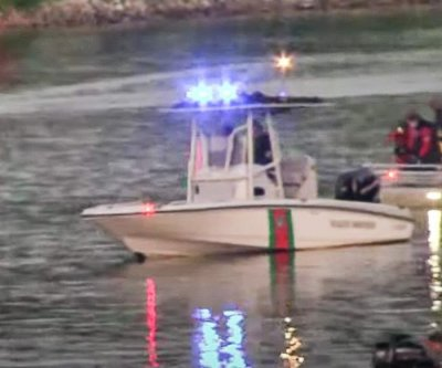 Helicopter crashes into Tennessee River; 1 dead