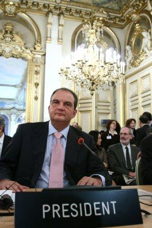 Greek prime minister reshuffles Cabinet