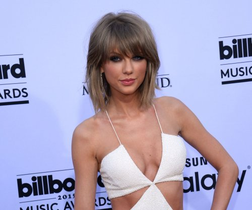 Taylor Swift tops Maxim's Hot 100 list for 2015