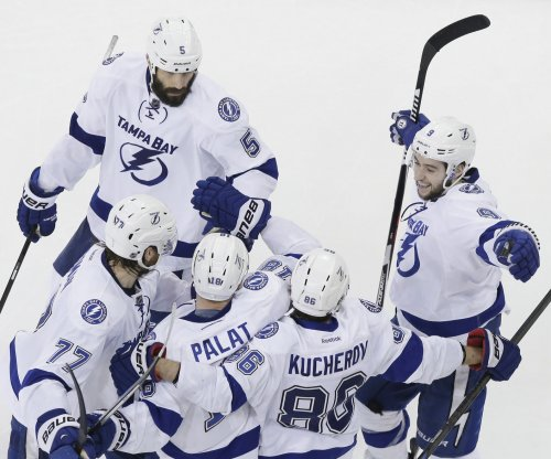 Tampa Bay Lightning top Detroit Red Wings to put stranglehold on series