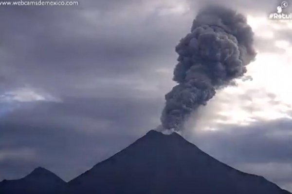 watch  mexico u0026 39 s volcano colima erupts with plumes of smoke
