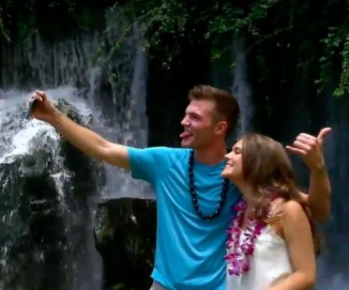 Viral Tinder couple share first date in Hawaii