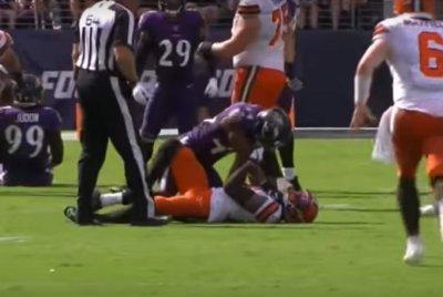 Ravens CB Marlon Humphrey chokes Browns WR Odell Beckham Jr.