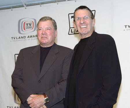 Shatner tweets Nimoy was 'serious, practical but, unlike Spock, very warm and loving'