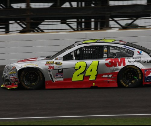 Jeff Gordon eyes 'huge' win at Charlotte