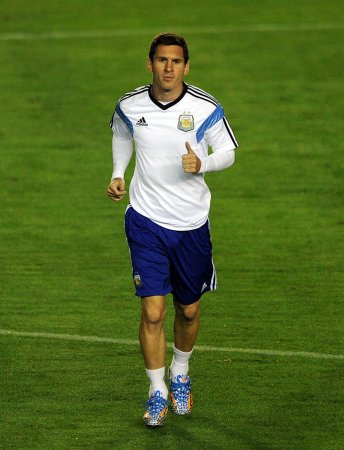 Germany, Argentina renew World Cup rivalry