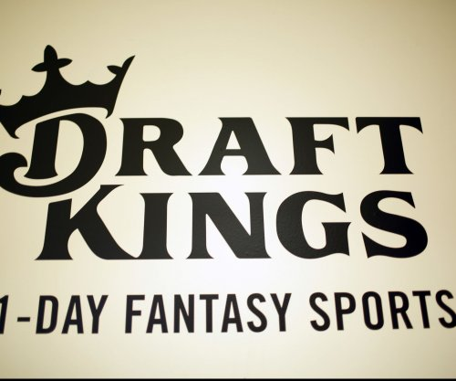 Roger Goodell, NFL hoping to define line in daily fantasy