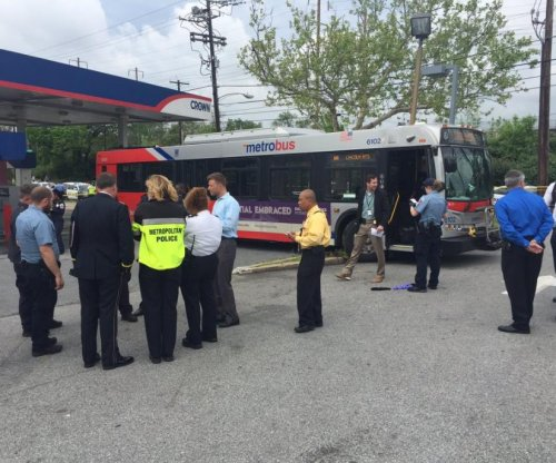 Man hijacks city bus in Washington, D.C.; driver injured, pedestrian killed