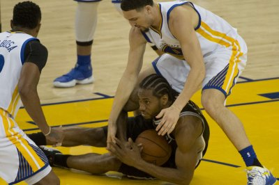 San Antonio Spurs' Kawhi Leonard (ankle) questionable for Game 3 vs. Golden State Warriors